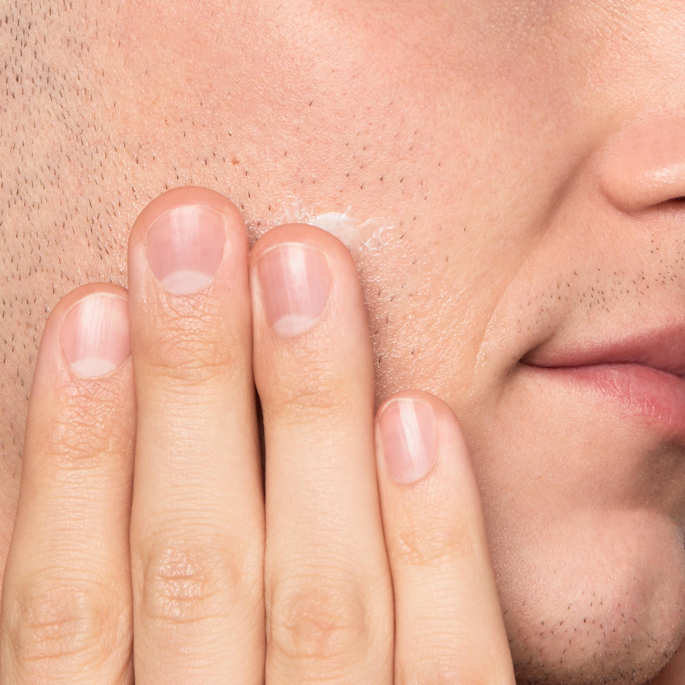 Гель после бритья, успокаивающий раздражение кожи и предотвращающий вростание волос